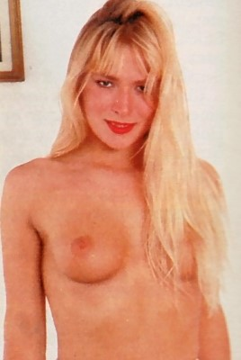 Wendy Cooper in Praline - No.51, 16-12-93 (1993)